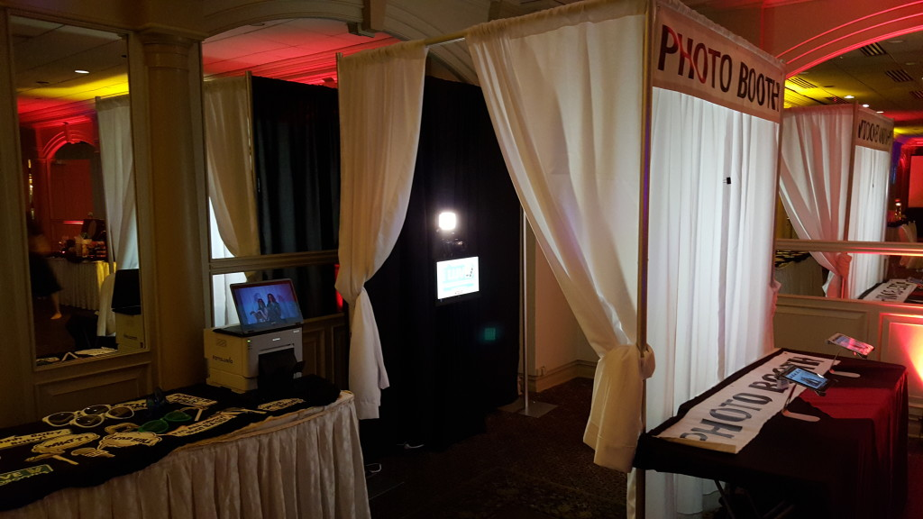 enclosed photo booth edison nj